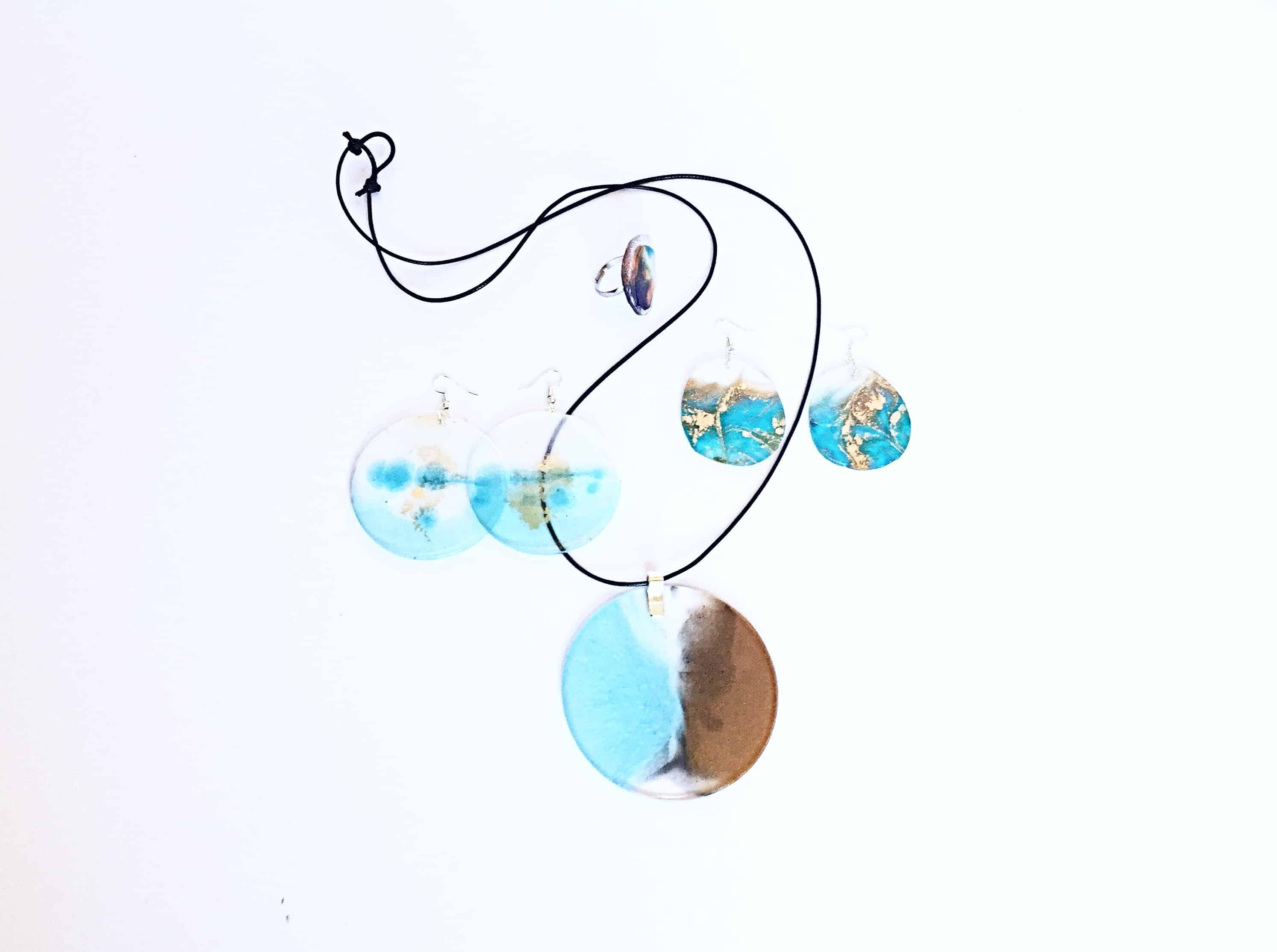 Cathy-Arndt-blue-resin-necklace-and-earrings