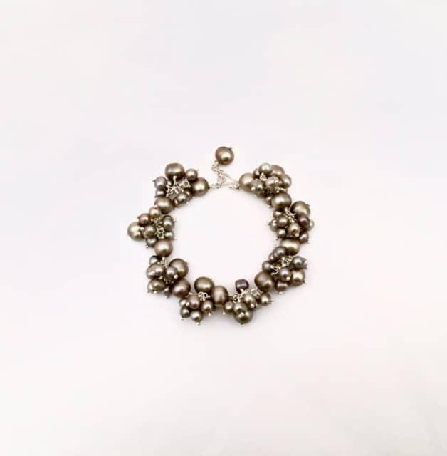 Elizabeth-Bower-pearl-bracelet