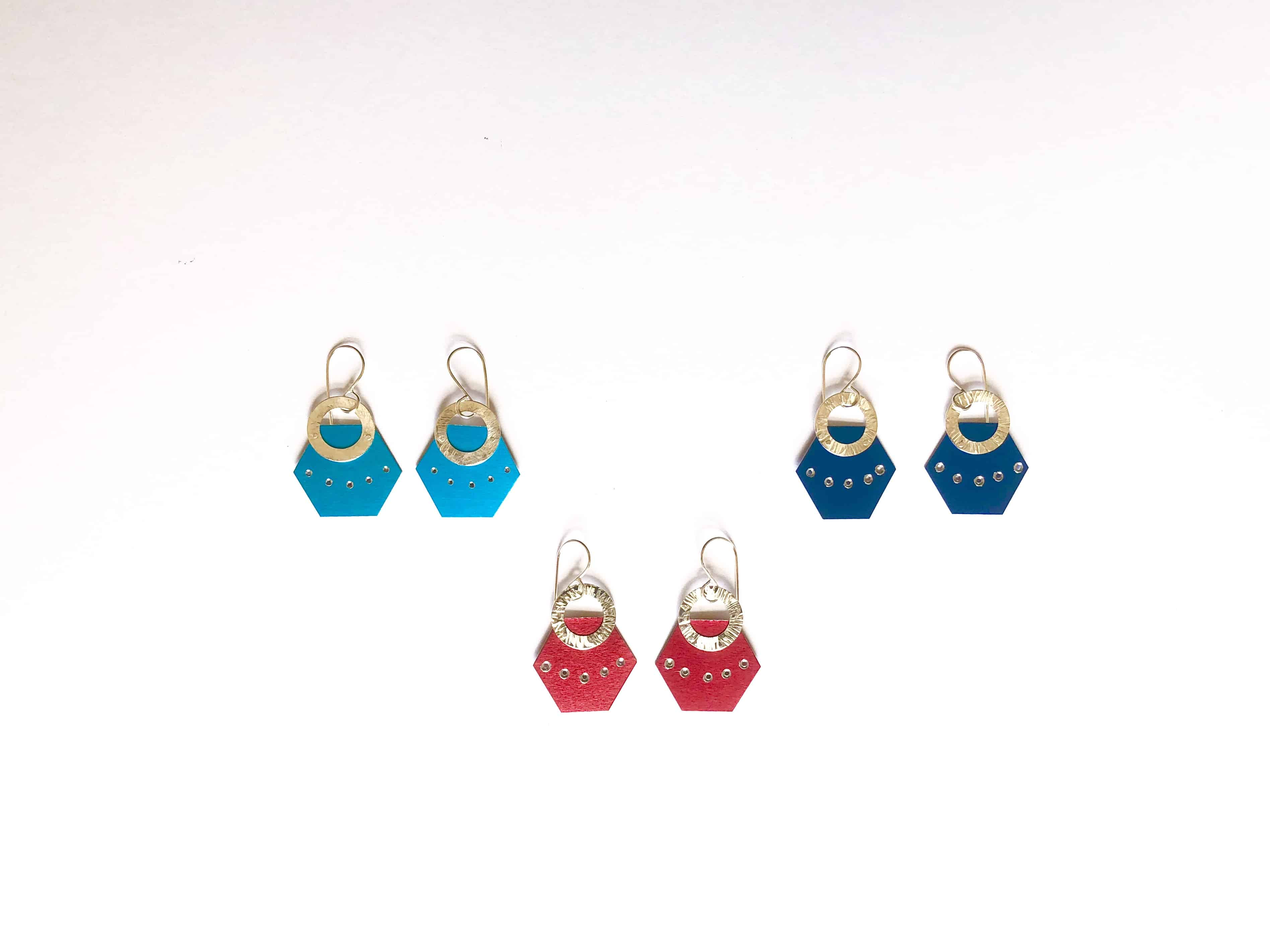 Meredith-Hoult-aluminium-small-earrings-blue-and-red-2