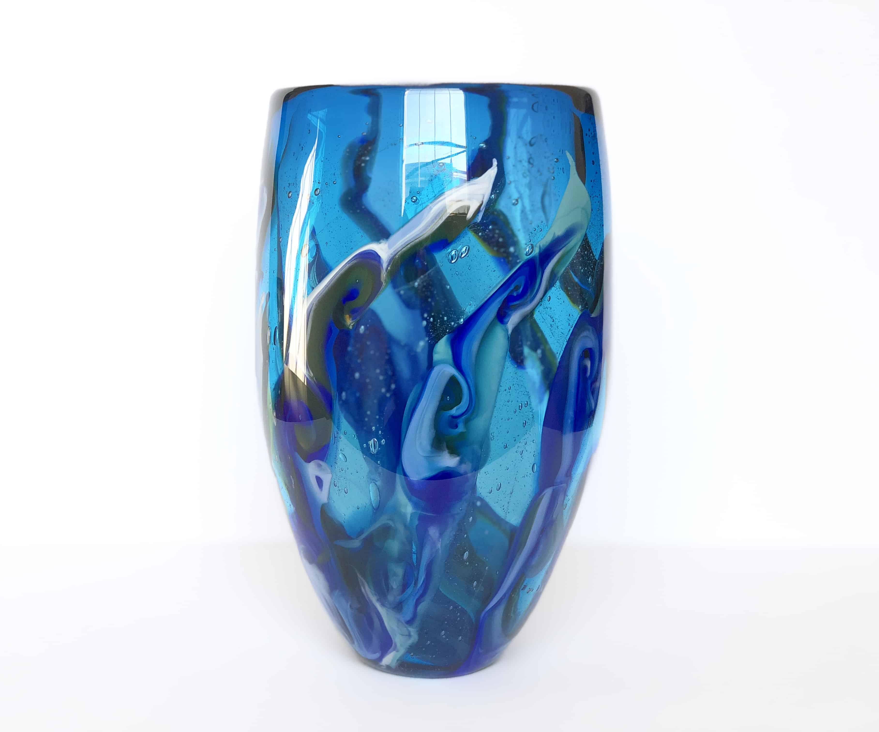 Roberta-Easton-blue-vase-under-water-1